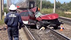 На месте происшествия: взрыв на нефтезаводе и ДТП с участием поезда