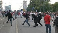 Стычки российских и польских футбольных фанатов в Варшаве. Хроника событий