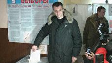 Выборы в СФО: Прохоров отдал голос в глубинке, Карелин – в Новосибирске