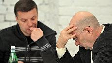 Идею создать Лигу избирателей впервые выдвинули на одном из заседаний оргкомитета декабрьских митингов оппозиции писатель Борис Акунин и журналист Леонид Парфенов.