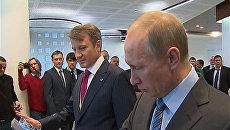 Путин открыл Центр обработки данных Сбербанка одним прикосновением руки