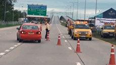 На окраине Бангкока из-за наводнения перекрыты автомобильные трассы