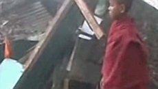 Землетрясение в Индии: земля в трещинах и разрушенные дома