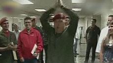 Уго Чавес сделал зарядку перед прессой и пожелал удачи Каддафи