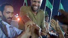 Якобы схваченный повстанцами сын Каддафи встретился с журналистами