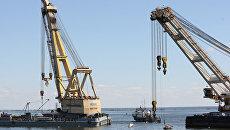 Два плавучих крана готовятся начать подъем теплохода Булгария