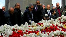 Тысячи людей возложили цветы к мемориалу жертв Геноцида армян в Ереване