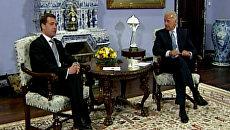 Медведев напомнил Байдену о вечной теме, сопровождающей его в России