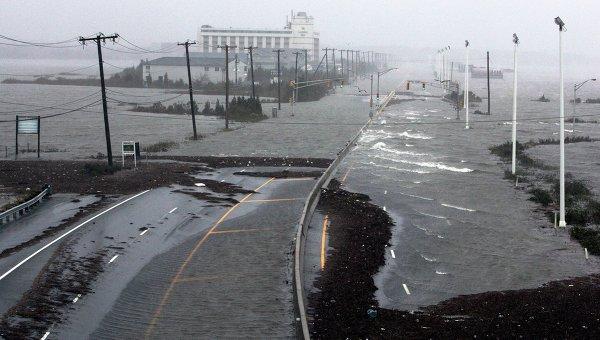 Шоссе Route 30, ведущее в Атлантик-Сити, покрыто водой в результате прихода урагана Сэнди