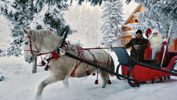 Встреча Кыш Бабая и Деда Мороза в Татарстане. Архвное фото
