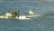 Многотонная боевая машина БМП-3Ф переплывает реки и лазает по горам