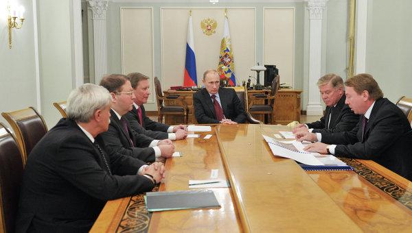 В.Путин провел совещание в Ново-Огарево