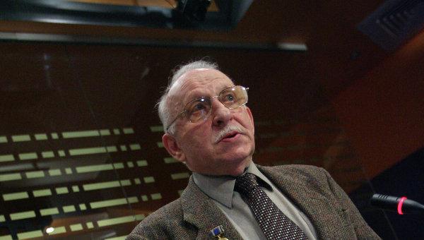 Писатель и историк Теодор Гладков