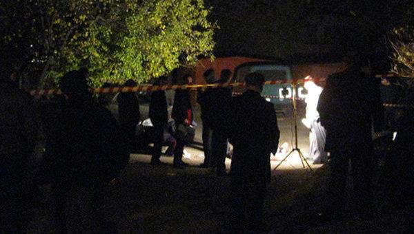 Работа оперативно-следственной группы на месте убийства журналиста Казбека Геккиева в Нальчике