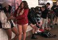 Пассажиры метро Нью-Йорка и Буэнос-Айреса сняли штаны и расхаживали в трусах