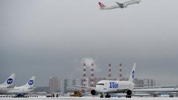 Самолеты в аэропорту Внуково. Архивное фото