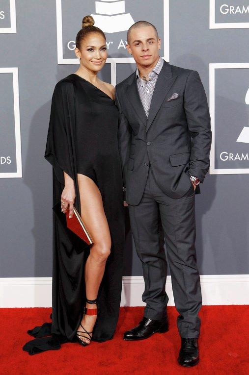 Дженнифер Лопес с бойфрендом Каспером Смартом на церемонии вручения премии Грэмми