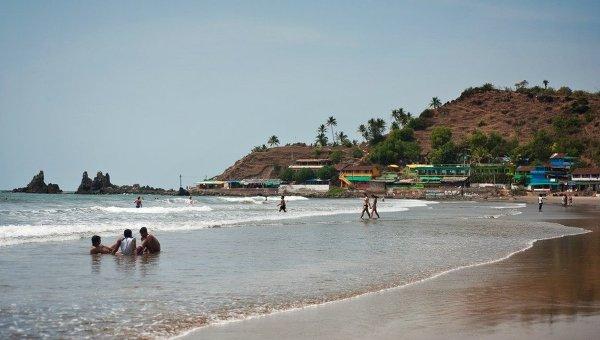 Туристы на пляже в ГОА, Индия. Архивное фото