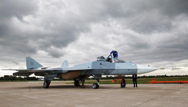 Испытания нового боевого самолета пятого поколения Т-50, архивное фото