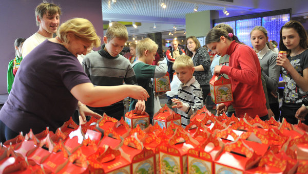 Благотворительный весенний праздник в ММПЦ РИА Новости для воспитанников детских домов