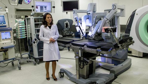 Оборудование медцентра ДВФУ во Владивостоке, архивное фото