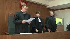 Экс-мэр Махачкалы Амиров оставлен под арестом. Кадры из зала суда