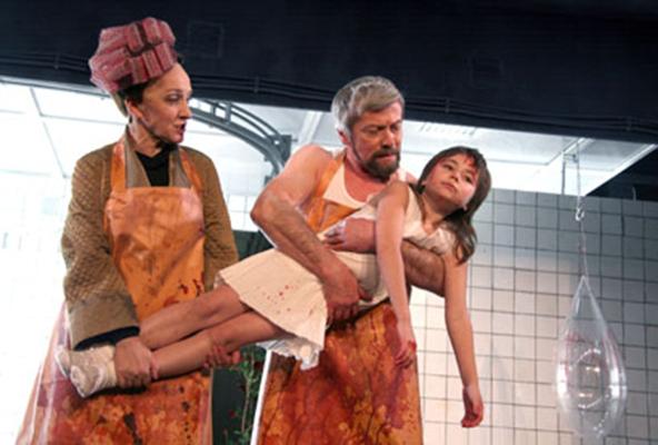 Картинки по запросу постановка Серебренникова «Человек-подушка» фото