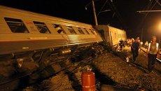 Вагоны пассажирского поезда сошли с рельсов на Кубани. Съемка с места ЧП