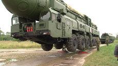 Абитуриентам академии Ракетных войск показали установку Тополь-М