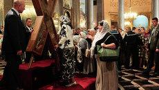 Крест апостола Андрея Первозванного доставили в Санкт-Петербург