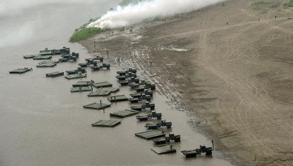 Высадка десанта во время заключительной фазы крупномасштабных учений войск сил Центрального и Восточного военных округов