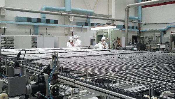 Процесс производства ядерного топлива. Архивное фото