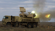 Работа пушечного модуля зенитно-ракетного комплекса Панцирь-С. Архивное фото