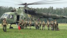 Новосибирские десантники впервые прыгнули с парашютом в день ВДВ