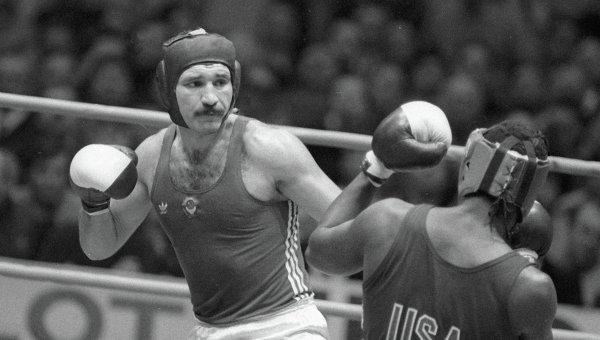 Александр Ягубкин (слева)