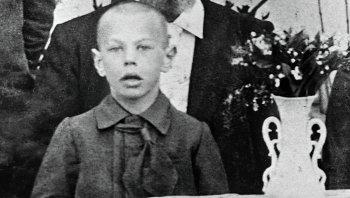 Восьмилетний Рихард Зорге с отцом на фото из семейного архива