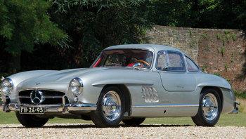Автомобиль Mercedes 300SL Gullwing 1956 года