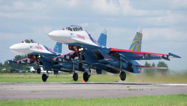 Взлет парой Су-27 АГВП Русские Витязи