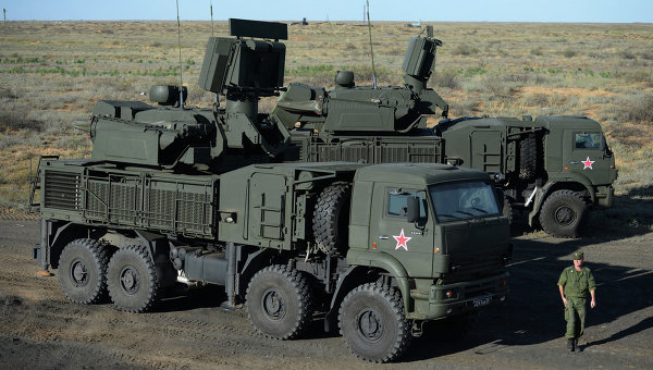 Самоходный зенитный ракетно-пушечный комплекс наземного базирования Панцирь-С1
