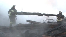 Спасатели разбирали завалы на месте пожара в интернате под Новгородом