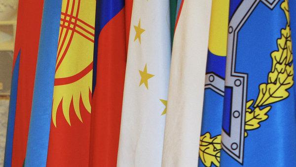 Флаги стран-участников ОДКБ. Архивное фото