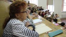 Пенсионеры за партами в Приморье