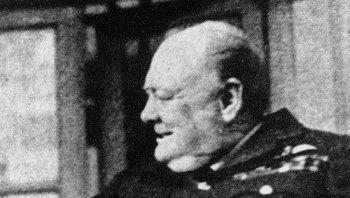 Премьер-министр Великобритании Уинстон Черчилль. Репродукция. Архив