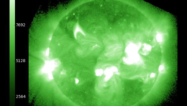 Снимок Солнца в рентгеновском диапазоне в момент вспышки класса X1.3 25 октября 2013 года