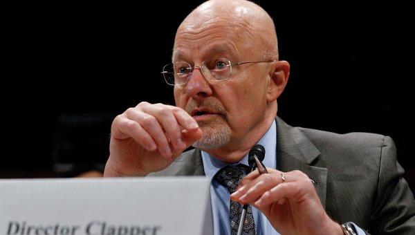 Директор национальной разведки США Джеймс Клэппер на слушаниях в конгрессе. Фото с места событий