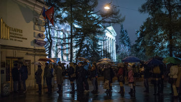 Посетители Ночи искусств у Государственного музея изобразительных искусств имени Пушкина в Москве. Архивное фото