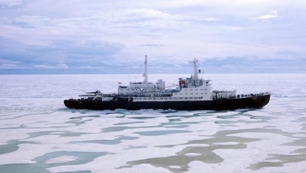 Атомоход Ленин в Арктике. Архивное фото