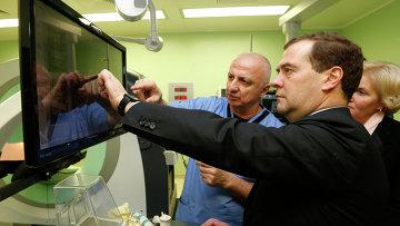 Д.Медведев посетил Городскую клиническую больницу № 67