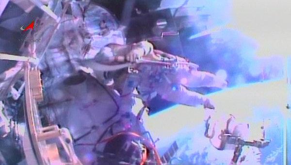 Олимпийский факел впервые в истории вынесли в открытый космос. Архивное фото