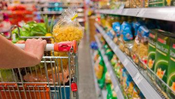 Покупка продуктов питания. Архивное фото